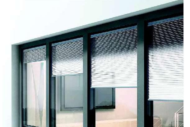Sistemi di finestre e porte-finestre in alluminio di FINSTRAL