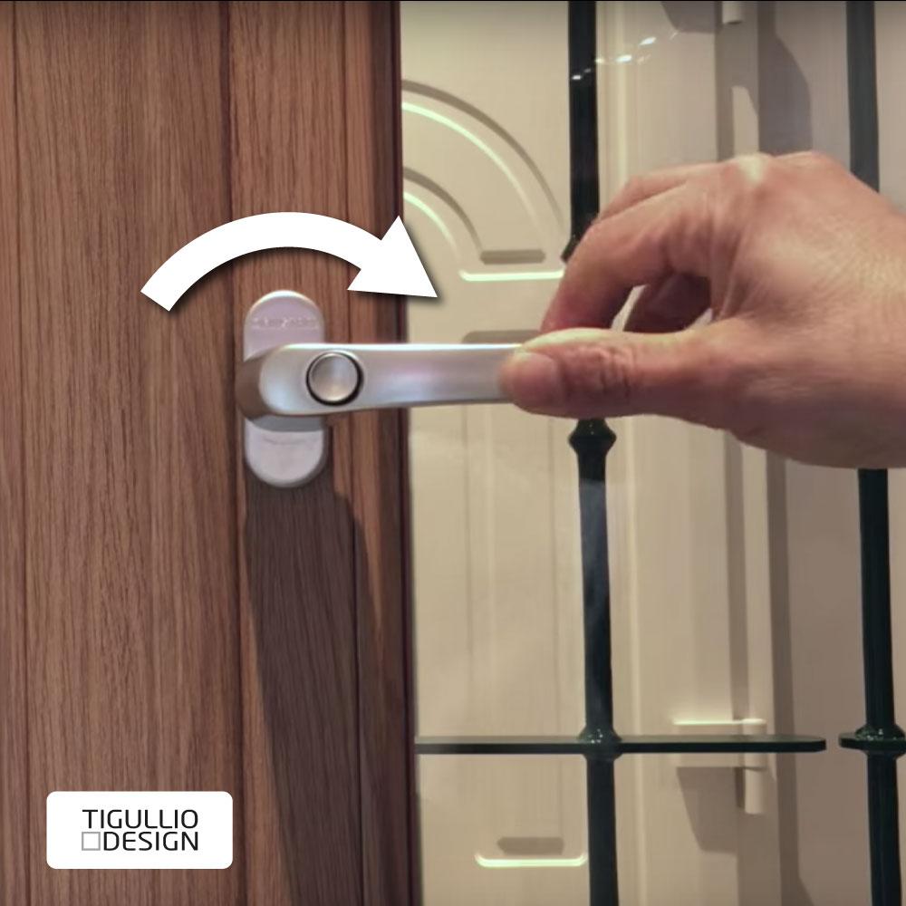 Come Sistemare Una Porta In Legno maniglia finestra allentata: come aggiustarla in 3 semplici
